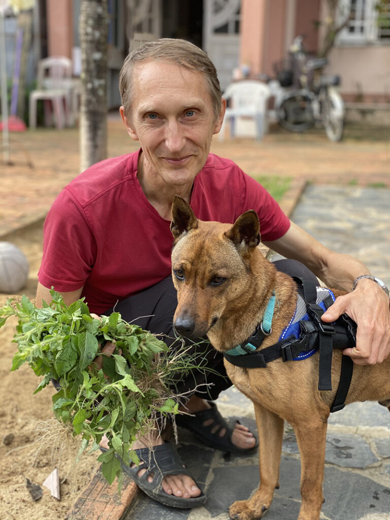 Yuri at Vietnam Animal Aid and Rescue